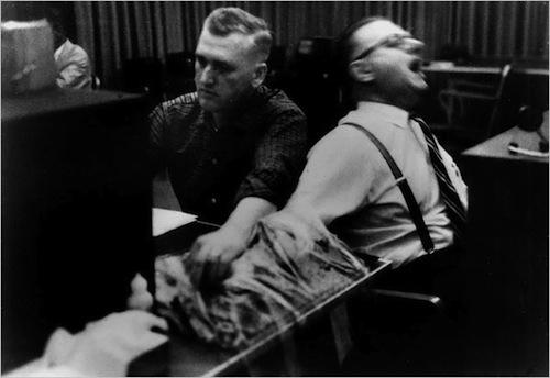10. Milgram Experiment (1961)
